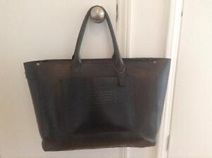 Coach large leTher tote bag.......paid 650$