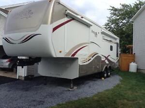 KZ Montego Bay 5th WHEEL. (33 ft) Would cost over $80K new today