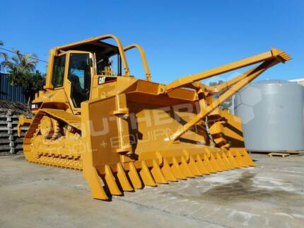 CATERPILLAR D5N XL Bulldozer with Stick Rake & Tree Spear fitted