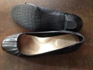 ROCKPORT - women's dress shoes - size 8