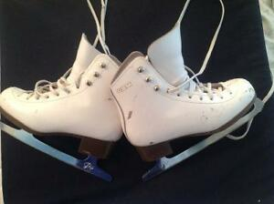 Girls size 1.5 leather GAM figure skates London Ontario image 1