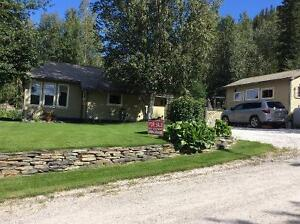 Lovely, renovated rancher in Dawson City