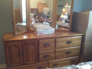 Woman's Colonial style dresser with 3 way mirror, for sale.
