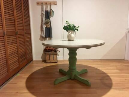 Round Dining Table 12000 Port Macquarie