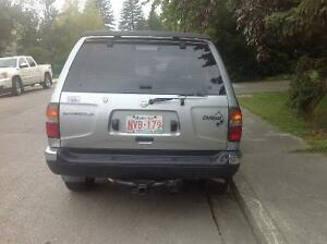 1999 Nissan Pathfinder Chillkoot SUV, Crossover