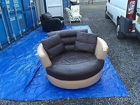 DFS EX DISPLAY LARGE SWIVEL CUDDLE CHAIR IN CHOCOLATE LEATHER RRP £1299