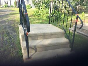 Cement 3 step with black railings