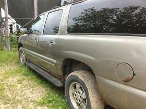 2003 Chevrolet Suburban SUV, Crossover Kitchener / Waterloo Kitchener Area image 2