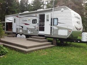 Cherokee 30 foot travel trailer for sale