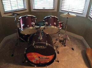 Mapex Voyager 5 piece drum set + cymbals and throne