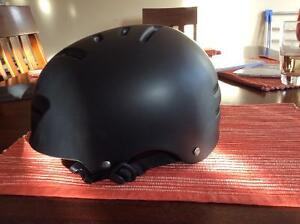 Giant Vault kids helmet size medium 56-60 cm