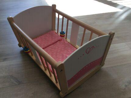 Playroom cot and babies