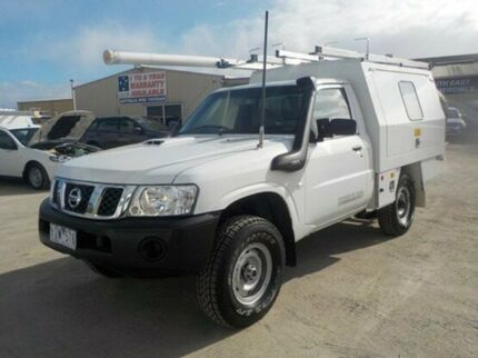 2010 Nissan Patrol White Manual Cab Chassis