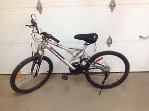 "2 -Supercycle ""Thrill"" mountain bikes"
