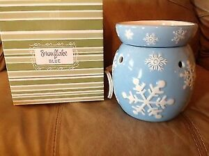 Wanted: Looking for a Scentsy Warmer called Snowflake Blue