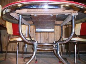 LOOKING FOR CHROME KITCHEN TABLES / CHAIRS OR COFFEE TABLES