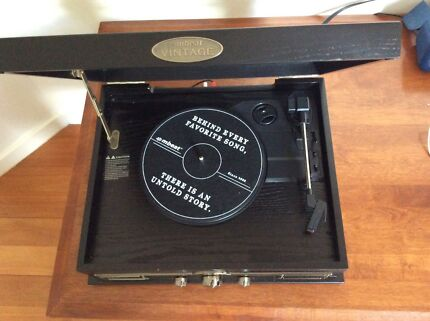 Vintage record player turntable only 2 months old
