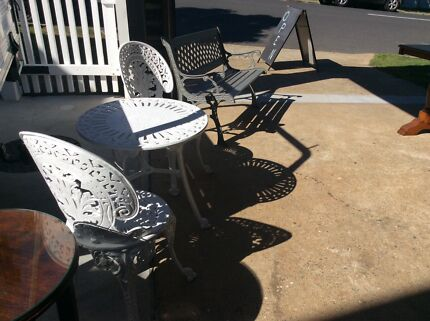 ANTIQUE CAST IRON OUTDOOR FURNITURE. VERY RARE!  Outdoor Dining