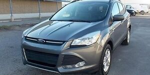 Low Kilometer : 2013 Ford Escape SE SUV