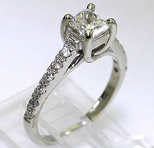 .80 ctw Radiant Cut Diamond Engagement Ring 14kt WG Kitchener / Waterloo Kitchener Area image 2