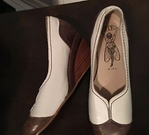bd6ea37f6 Fly London | Buy or Sell Women's Shoes in Ontario | Kijiji Classifieds