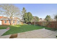 Impeccable 4 bedroom Semi-detached House Located in Acton