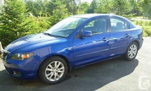 2007 MAZDA 3  AUTOMATIC LOOKS AND RUNS VERY  WELL