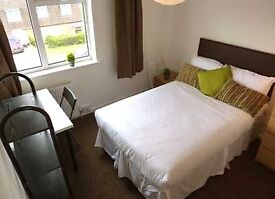 A excellent chance to grab that double room in Liverpool Street For only £150pw!!