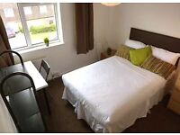 *Marvelous double room near to Aldgate Station*