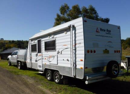 Big Red 18' WITH FULL ANNEXE LIKE NEW 2012
