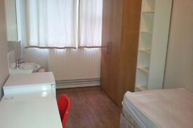 Single bedroom to let in Whitechapel as of today!