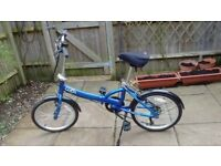 Apollo Tuck Folding Bike (Halfords) - VGC (13 miles use only due to illness)