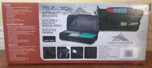 ROLLING DUFFLE BAG LUGGAGE / SUITCASE (BRAND NEW!)
