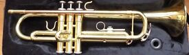 Windsor Student Bb Trumpet with Case PLUS 2 Trumpet mutes