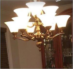 Lustre suspendu en laiton, antique chandelier de 9 ampoules