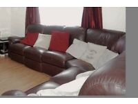 Brown leather corner sofa includes 5 chairs with 2 recliners & a corner piece