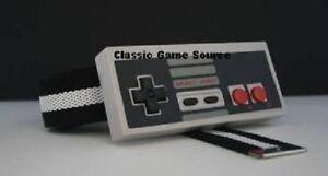 B-W-Belt-Buckle-w-Actual-NES-8-Bit-Nintendo-Controller-w-buttons-that-push