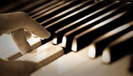 Piano Lessons / Music Theory Lessons / Basic Guitar Lessons