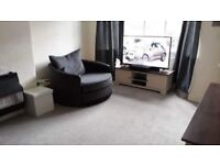 Lovely large 3 bedroom family cottage to let in Seafield Avenue off the Broadway in Hull
