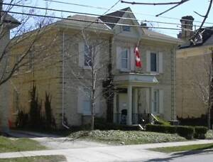 MODERN DOWNTOWN STUDENT HOUSING – 4 and 5 BR - $495 per BR London Ontario image 10