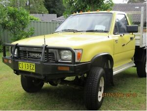 1990 Toyota Hilux Ute Winmalee Blue Mountains Preview