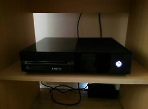 Xbox One 1TB + controller, power adapter, hdmi cable