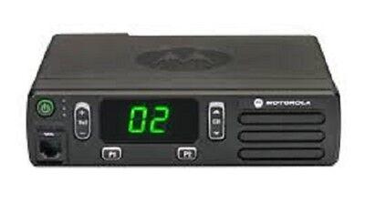 Motorola Cm200d 403-470 Mhz Uhf Digital 40 Watt Aam01qpc9ja1an Cm 200