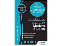 Higher Modern Studies, Past and Hodder Gibson Model Papers Paperback – 25 Sep 2015