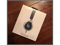 **SEALED** BEATS EP HEADPHONES BRAND NEW AND INCLUDES 1 YEAR MANUFACTURERS WARRANTY