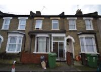 *** MUST SEE Large 4 bedroom house located only a short walk Canning town station***
