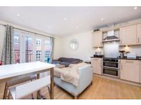 Live Comfy In This Lovely Wimbledon Based Two Bed Apartment.. £1600 Per Month!