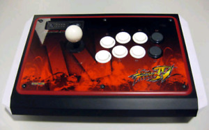 Street Fighter IV Fightstick Tournament Edition by Mad Catz
