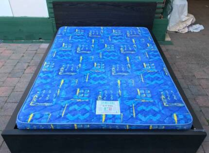 Excellent wooden frame Queen Bed with mattress. Delivery can do