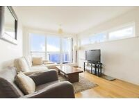 Modern flat with great views by Greenwich station